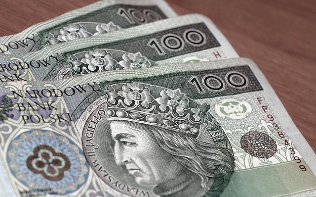 Kredyt z komornikiem – czy można dostać kredyt, kiedy jest się zadłużonym?