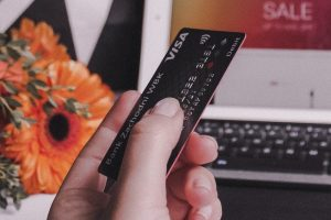 Karta kredytowa i komputer